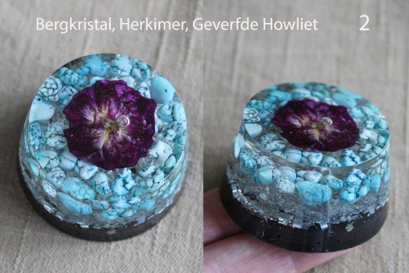 handgemaakt organite van organite 2. bergkristal, herkimer, geverfde howliet